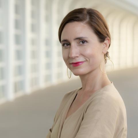 executive-director-valencia-campis-maria